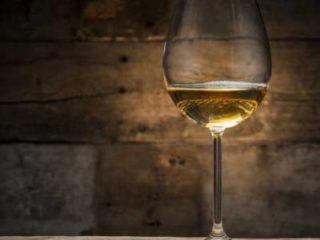 Παλαίωση στο λευκό κρασί