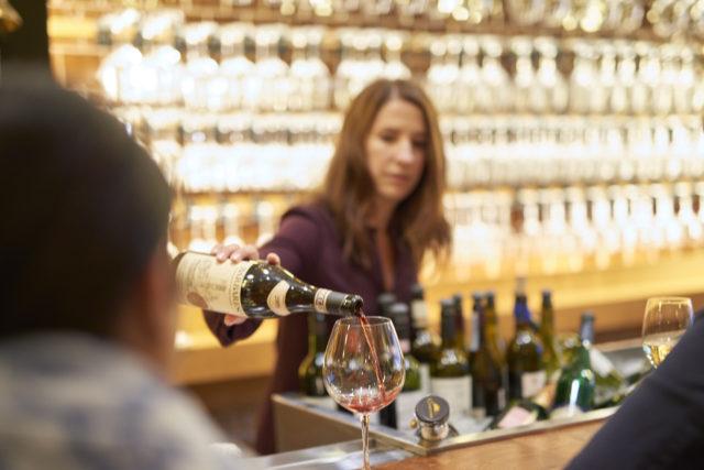 εμφιαλωμένο ελληνικό κρασί