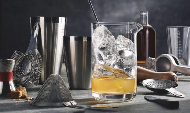 εργαλεία για μπαρ, υψηλή κατανάλωση αλκοόλ