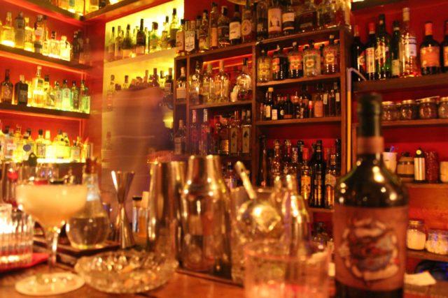 αλκοόλ εν ώρα εργασίας, λόγοι που ο καλεσμένος θα γυρίσει πίσω το ποτό του