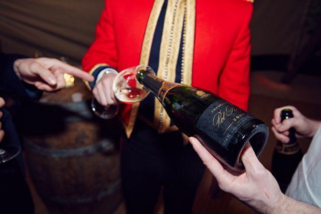 μενού φαγητού και ποτών του βασιλικού γάμου