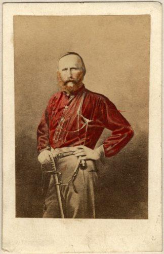 Ο Στρατηγός Γκαριμπάλντι με το ερυθρόχρωμο πουκάμισο του.
